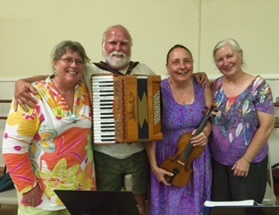 Wildnotes and Sandy LaFleur, Hartford Contra Dance, September 2016